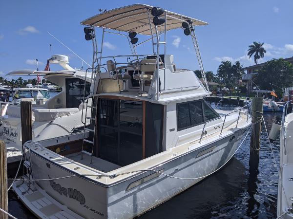 Tiara Yachts 3100 Flybridge 1989 TIARA 3100 FLYBRIDGE