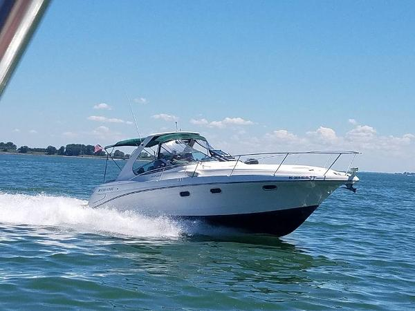 Four Winns 328 Vista Cruising