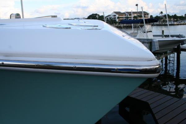 Stainless Steel rubrail upgrade - Bahama 41'