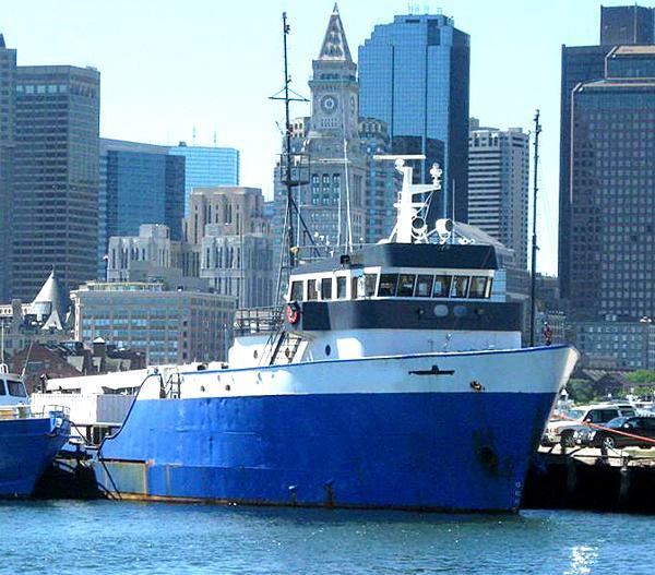 Custom Offshore Salvage Dive Vessel