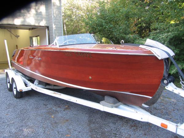 Chris-Craft Riviera