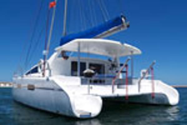 Matrix Yachts Vision 450 Stern