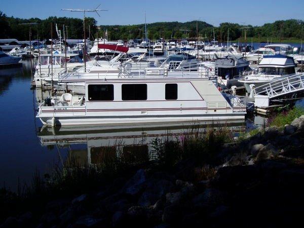 Catamaran Cruisers 46 In water view