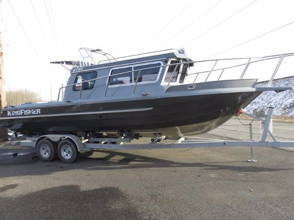 Kingfisher 2725 Offshore Weekender
