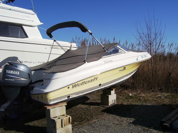 Wellcraft 180 Sportsman Starboard View