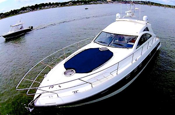 Fairline Targa 47 Gran Turismo Close Bow Shot