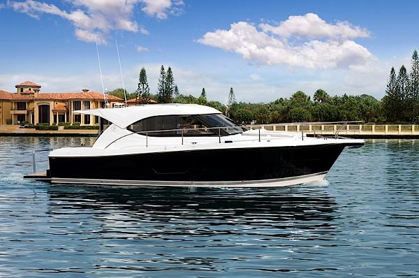 Riviera 3600 Sport Yacht 2017 Riviera 3600 Sport Yacht