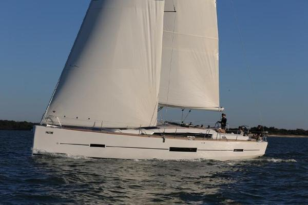 Dufour 520 Grand Large Sailing