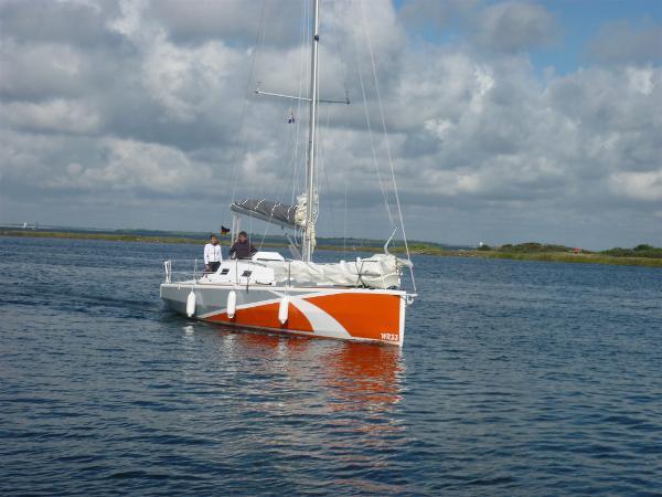 Sonstige 10m Composit Cruiser/R. One Off P1000474
