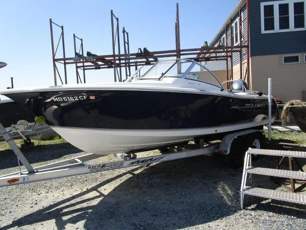 Sea Hunt Escape 211 LE