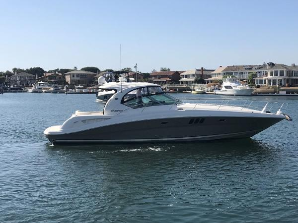 Sea Ray Sundancer Main profile