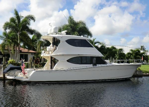 Maritimo 48 Motor Yacht Profile