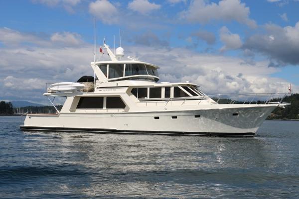 Offshore 62 Pilot House