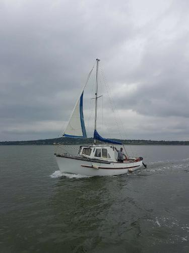 Fisher 25 Fishing Boat