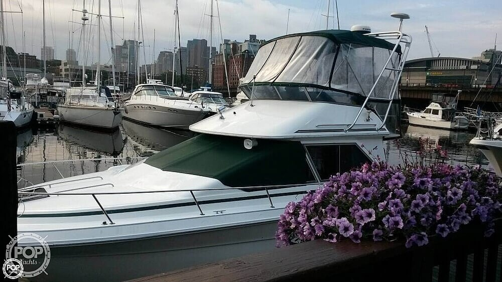 Sea Ray 300 Sedan Bridge 1989 Sea Ray 30 for sale in Quincy, MA