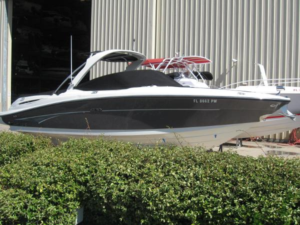 Sea Ray 270 Select EX Exterior