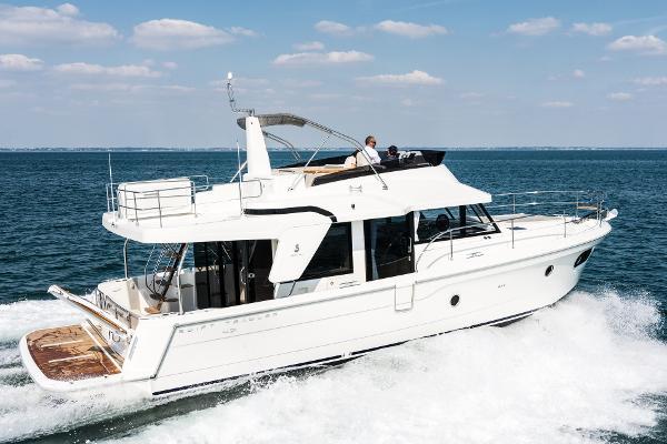 Beneteau America Swift Trawler 47