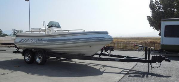Novurania CL 650