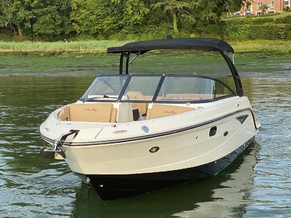 Sea Ray 250 SLX Port Bow - Afloat