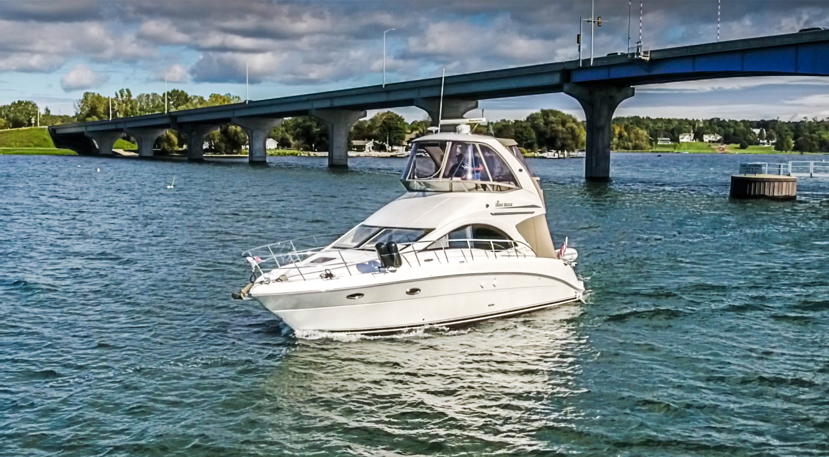 Sea Ray 36 Sedan Bridge