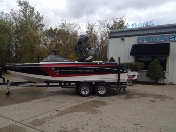Nautique Super Air 210 Open Bow