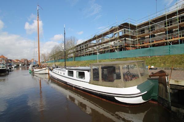 Custom Dutch barge living a board