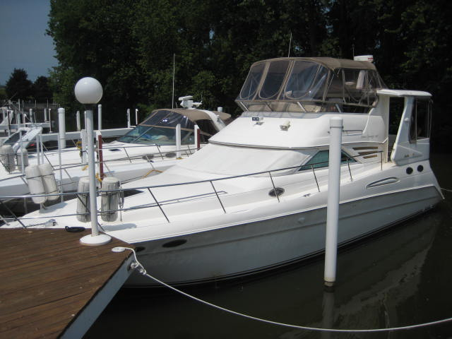 Sea Ray Cruisers 420 Aft Cabin