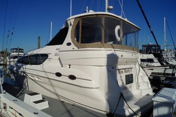 Sea Ray 390 Motor Yacht 2003 SEA RAY 390MY DOCKSIDE PROFILE