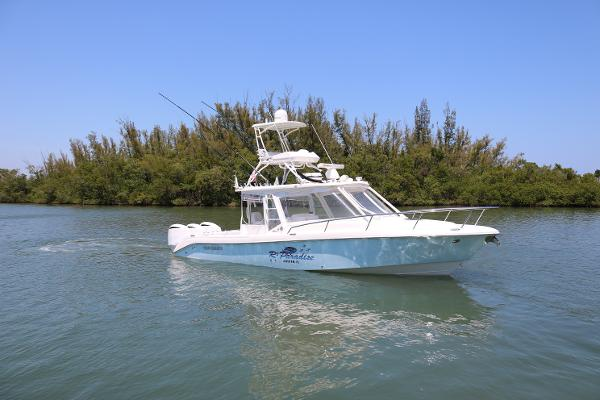 Everglades 350LX Express R2 Paradise