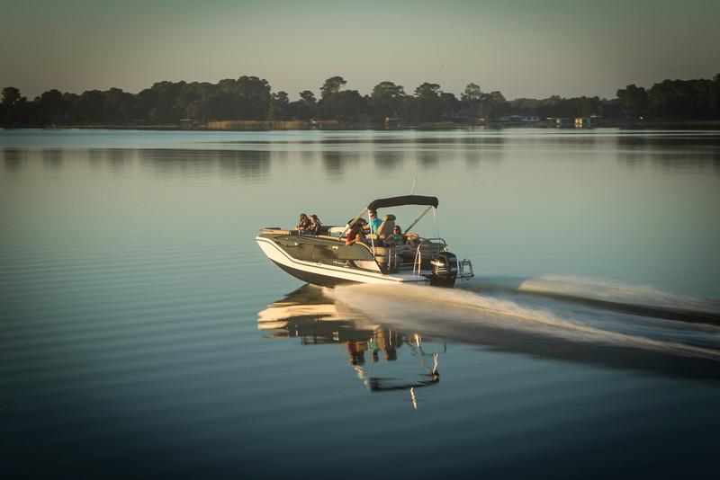 Bayliner Deck Boat Element XR7