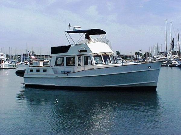 Grand Banks 42 Motor Yacht LLC OWNED Aloha Spirit