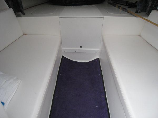 Cabin with seats and V berth