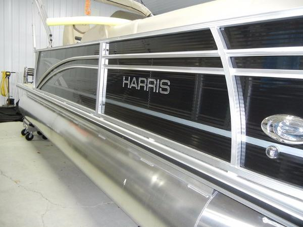 Harris Cruiser Series 220