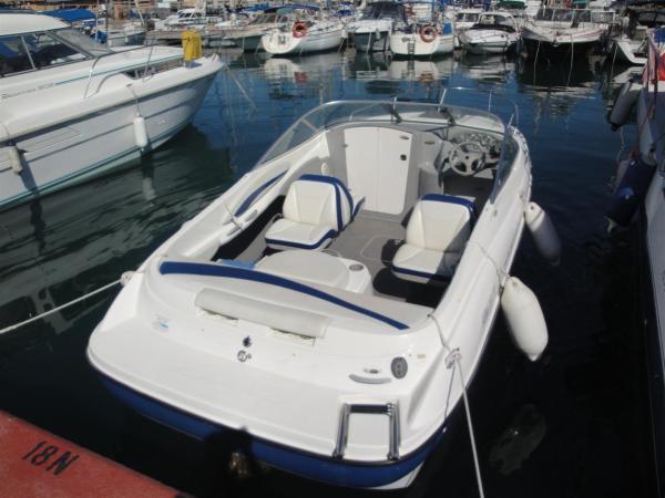 Bayliner 212 Capri Cuddy