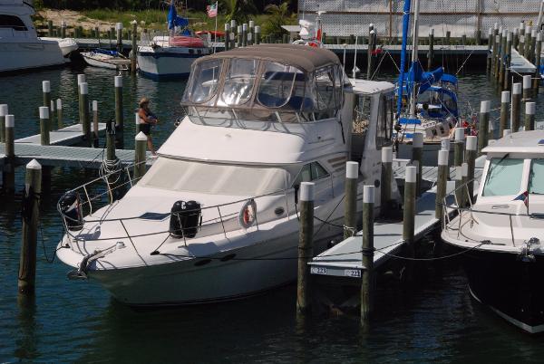Sea Ray 420 Aft Cabin Diesel Motor Yacht