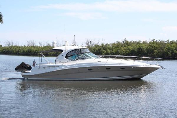 Sea Ray 420 Sundancer Profile