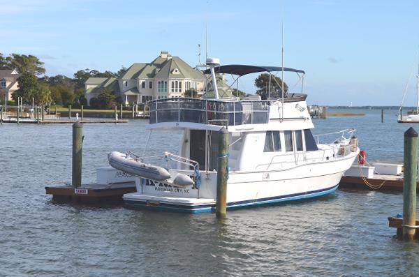 Mainship 350 Trawler