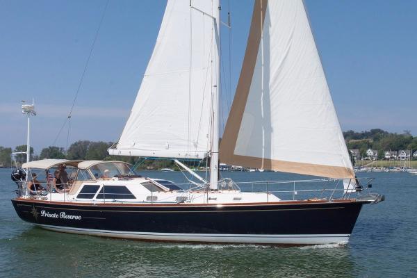 Tartan 4400 1 Starboard Profile