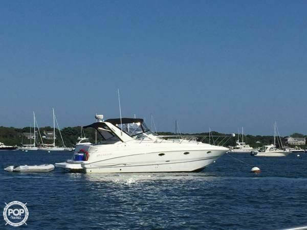 Larson Cabrio 330 Mid Cabin 2001 Larson 330 Cabrio for sale in Buzzards Bay, MA