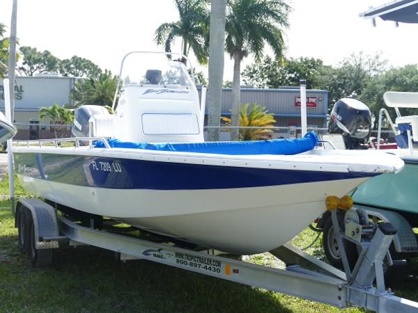 Bay Stealth 2380 Center Console