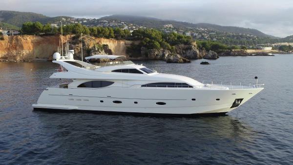 Ferretti Yachts Custom Line 94 RPH