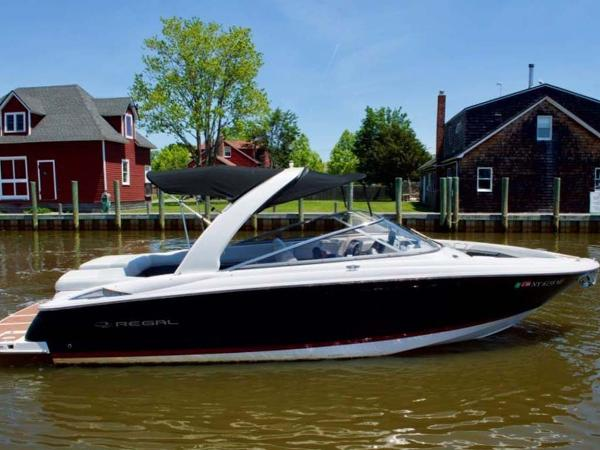 Regal 2700 Bowrider Profile