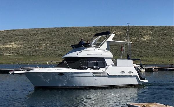 Carver 326 Aft Cabin Motor Yacht