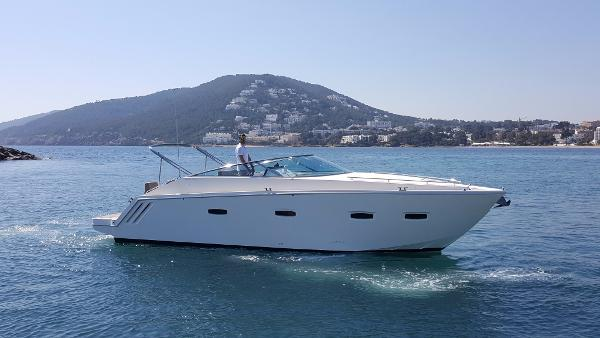 Sealine 35 Sport Stb view