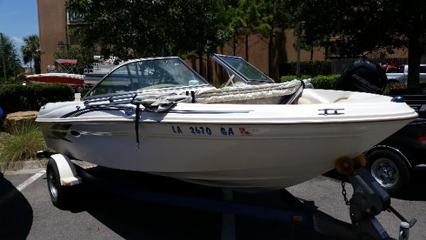 Sea Ray 180 Bow Rider