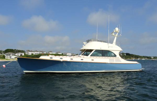 Hinckley Talaria 55 Flybridge FIVE STAR