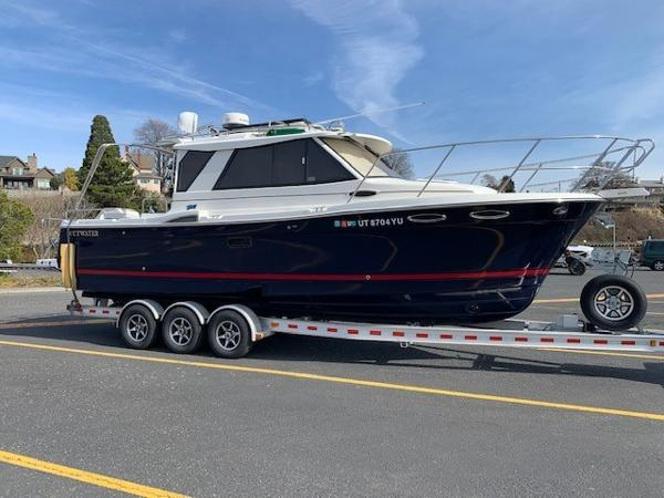 Cutwater 28 With Trailer