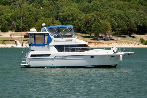 Carver 390 Aft Cabin Motoryacht Stb. Profile