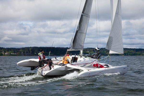 Corsair Sprint 750 sailing
