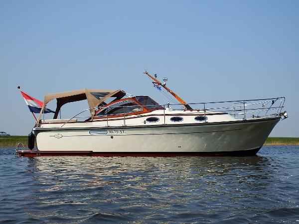 Intercruiser 34 Open Kuip